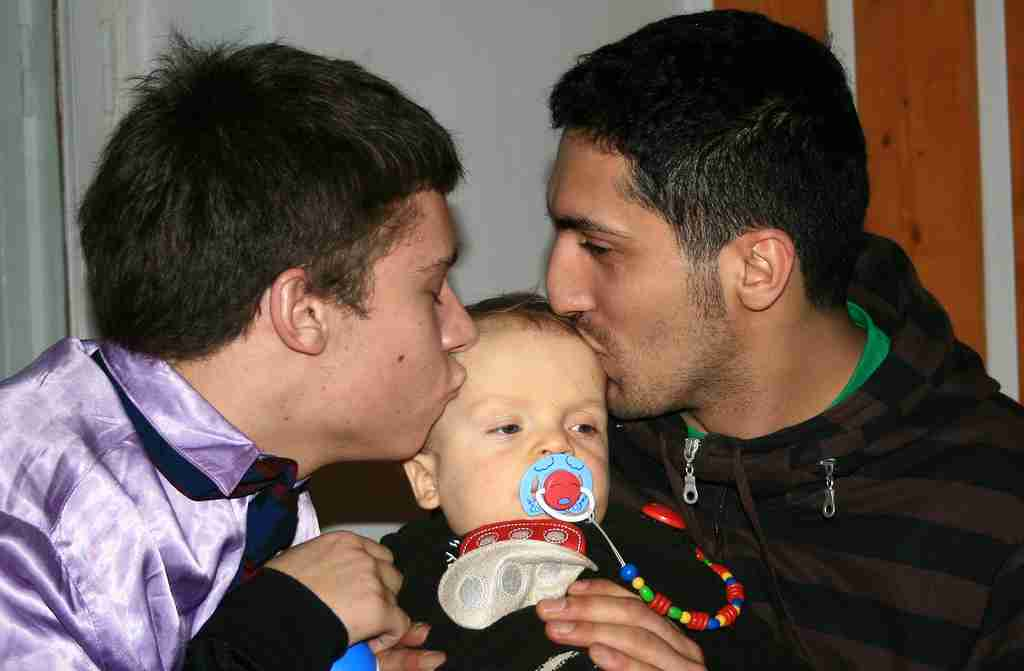 Male_Couple_With_Child-01_compressed