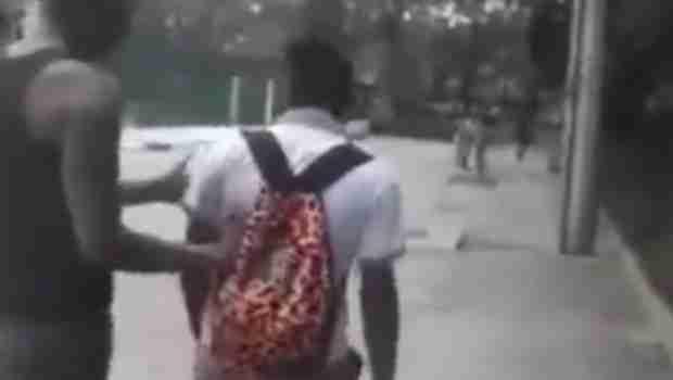 DŽABA TI MIŠIĆI, SILEDŽIJO: Htio da otme ranac dječaku, ali je onda dobio brutalan nokaut (VIDEO)