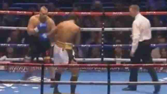 BRUTALNO: Pokušao plasirati udarac, pa popio strašan nokaut (VIDEO)