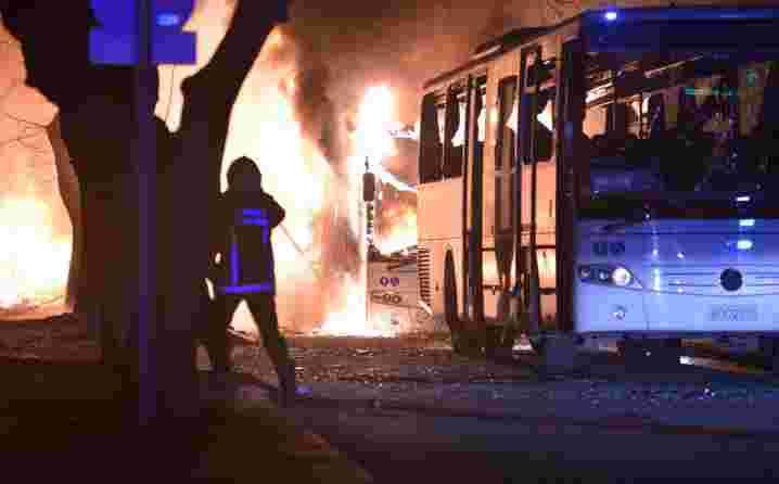 TERORISTIČKI NAPAD U ANKARI: Broj poginulih povećan na 28, ranjeno 45 osoba (FOTO/VIDEO)