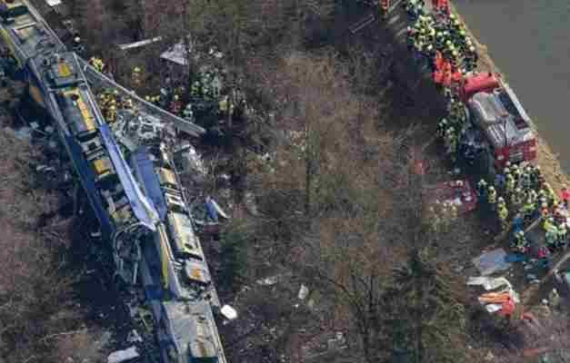 UZNEMIRUJUĆE: Objavljen prvi snimak iz voza nakon stravičnog sudara u Njemačkoj