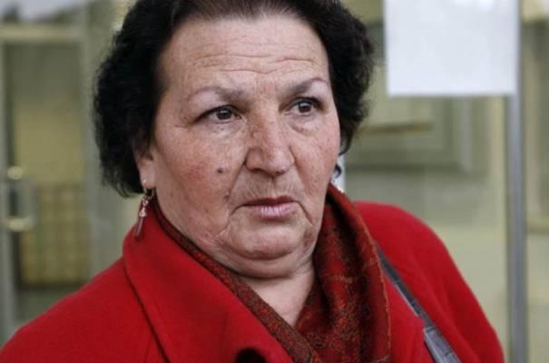 Majka iz Srebrenice je imala par pitanja za Robinsona Karadžićevog advokata, a on joj na sve to odgovorio…