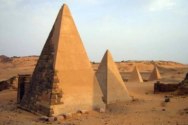 CIJELI SVIJET O NAMA PRIČA: Pogledajte kakve su građevine izgradili Bošnjaci koji su se prije pet stoljeća naselili u Egiptu…
