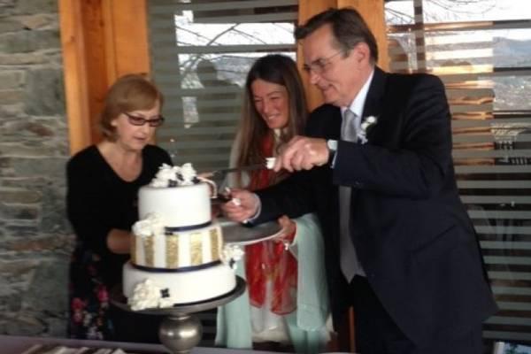 Prva fotografija s vjenčanja: Haris Silajdžić i Selma Muhedinović vjenčali se u jednom sarajevskom restoranu