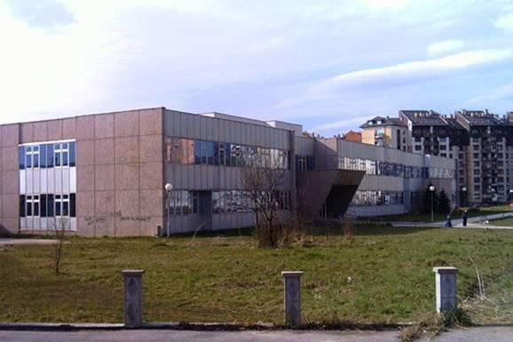 Oglasio se menadžment Doma zdravlja u Saraj-polju, nakon što su i izbacili bolusnu djevojčicu