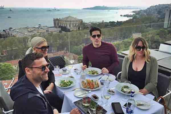 OVO je danas udarno u TURSKIM MEDIJIMA! Evo šta je Karleuša URADILA OSOBLJU tamošnjeg restorana, svi su ostali ŠOKIRANI…