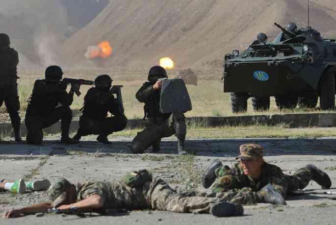 Novi iznenadni rat u svijetu: Žestoke bitke, srušen helikopter, 30 mrtvih