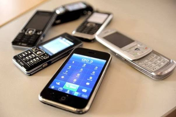 KAKO ISKORISTITI STARI MOBILNI TELEFON ZA JAKO KORISNE STVARI: U kući, u automobilu…
