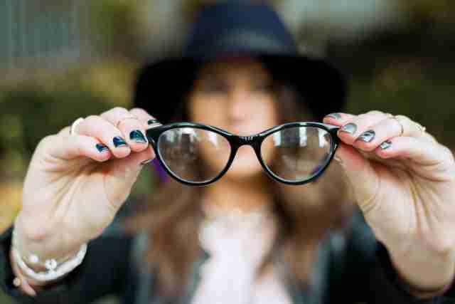 Bićete zapanjeni koliko je moćno: Možete vidjeti i bez naočala, bez obzira na to koliko je vaš vid loš, evo i kako – VIDEO
