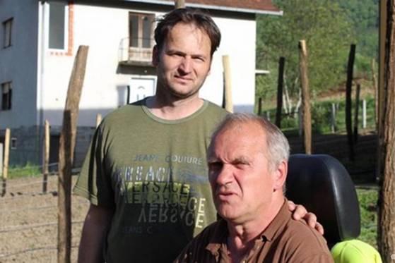 OVO MOŽE SAMO U NAŠOJ LIJEPOJ BOSNI: Pogledajte šta su zejdno Senad i Radenko uradili u Srebrenici…