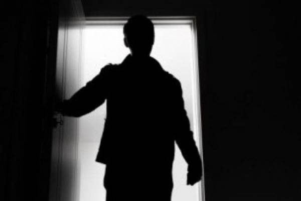 Ženi usred noći muškarac ušetao u otključan stan, a onda je uslijedio šok…