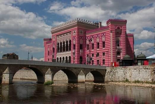 Čuveni američki lanac hotela kupuje Vijećnicu: Sarajevska ljepotica uskoro u novom izdanju