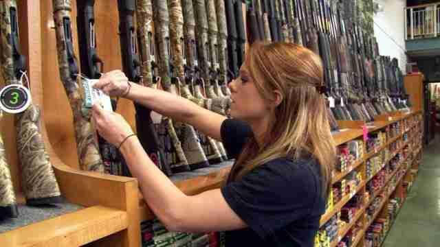 VELIKA I TEŠKA PANIKA U NJEMAČKOJ: Narod se ubrzano naoružava, saznajte zašto