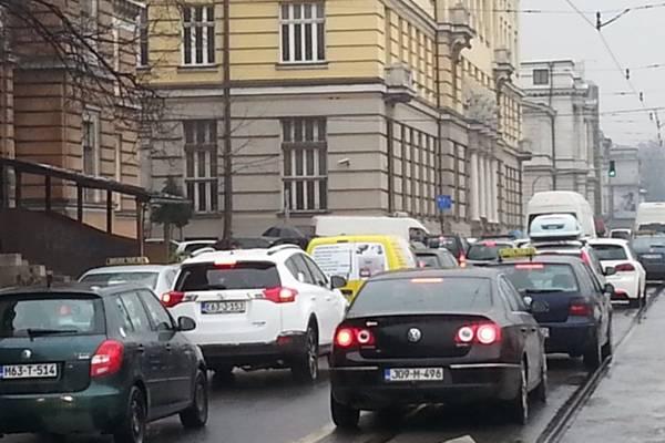 ODLIČNA VIJEST ZA SVE VOZAČE U BOSNI I HERCEGOVINI: Ako uskoro morate registrovati vozilo od sada je…