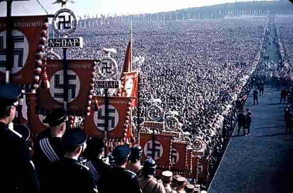 hitler-nacisti-fasisti-1-600x395_compressed