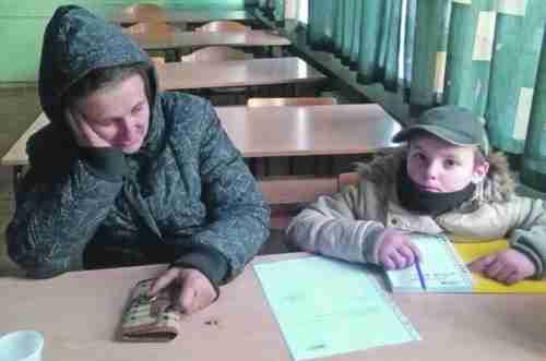 UČITELJICA SE BORI ZA UČENICU: Umrijeće mi Olivera (10), otac joj je umro od zime i gladi!