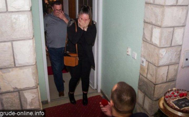 Romantika u Grudama: Hercegovac na više nego originalan način zaprosio djevojku