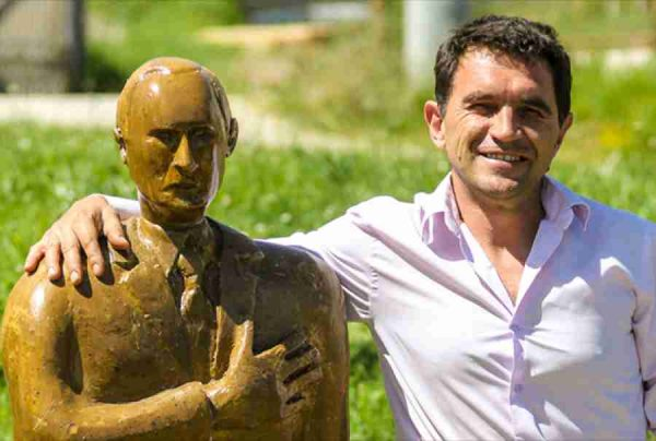 BANJALUČANIN, AUTOR SKULPTURA TRUMPA I PUTINA: Traže mi da izvajam Dodika, ali treba mi 700 kilograma….