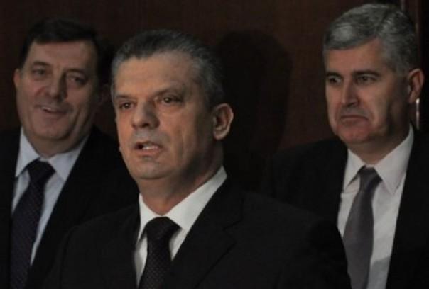 Na sjednici Parlamenta BiH uspostavljena SBB-SNSD koalicija za rušenje državnih institucija i blokadu evropskog puta