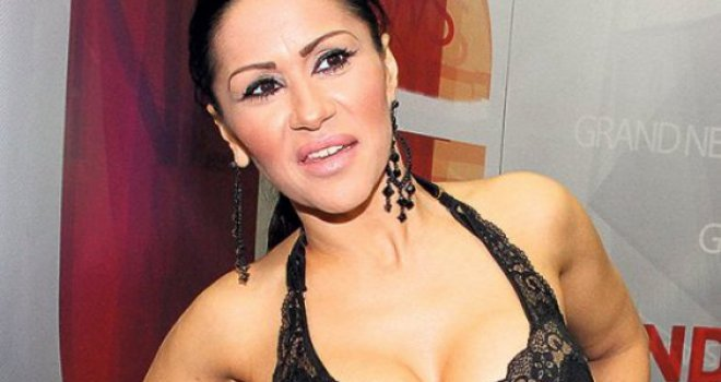 Mina Kostić krije svoje pravo ime kao zmija noge: Roditelji joj Zoja i Alija, a ona se zove…