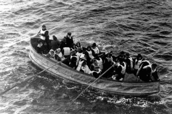 TAJNA POSLJEDNJEG ČAMCA SA TITANIKA: Putnici u njemu doživjeli su goru sudbinu od onih zarobljenih na brodu!