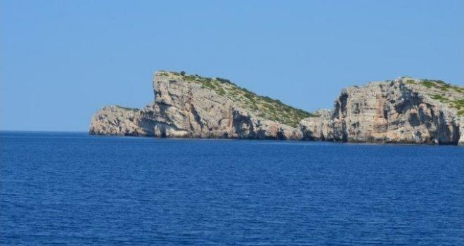 Riješena misterija na Jadranu: Otkrivena tajna Vele ploče u stijenama Kornata, evo šta su istraživači pronašli…