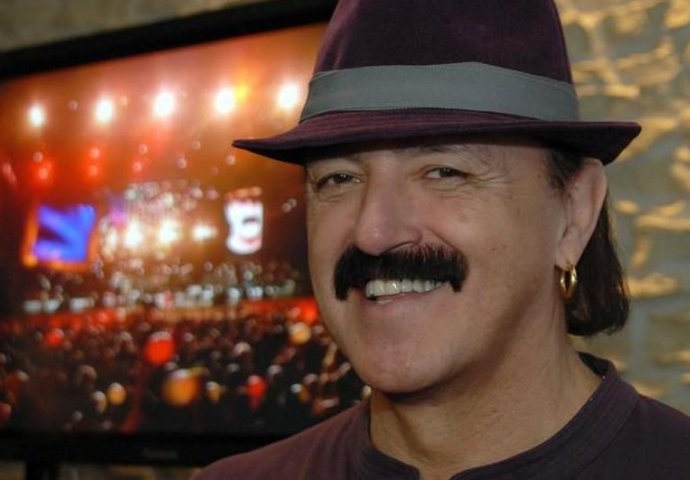 KAKVA TRANSFORMACIJA: Pogledajte kako je Haris Džinović izgledao prije nego što je uradio nove zube