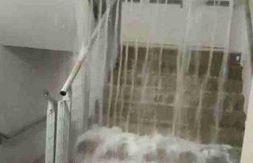APOKALIPSA U REGIONU: Bujice podivljale, automobili propadaju kroz ulice, ljudi se evakuišu iz tržnog centra
