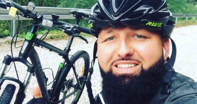 Efendija na biciklu: Kako sam okrenuo novu stranicu u životu, pronašao ljubav i postao nova osoba