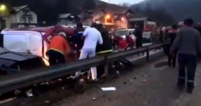 Nova velika tragedija na bh. cestama: Dvojica 22-godišnjaka poginula u teškoj nesreći