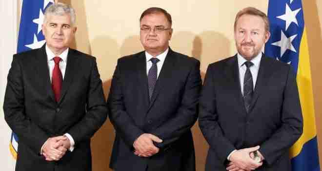 CIK objavio imovinske kartone političara: Provjerite koliko su 'teški' Čović, Izetbegović i Ivanić