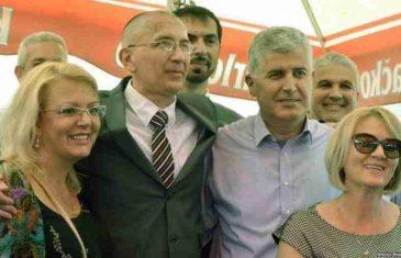 KOLINDA SE POKLONILA ŽRTVAMA DARIJA KORDIĆA: Nakon posjete Ahmićima napisala: 'Ovo je naša trajna zadaća'