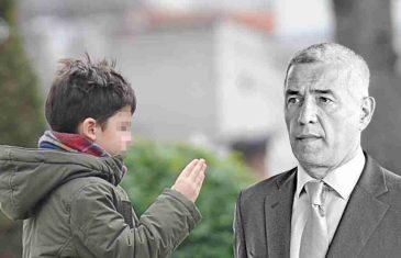 POTRESAN PRIZOR NA GROBU OLIVERA IVANOVIĆA: Mali Bogdan (4) zapalio svijeću ubijenom tati! SAZNAO DA MU OTAC NIJE ŽIV!