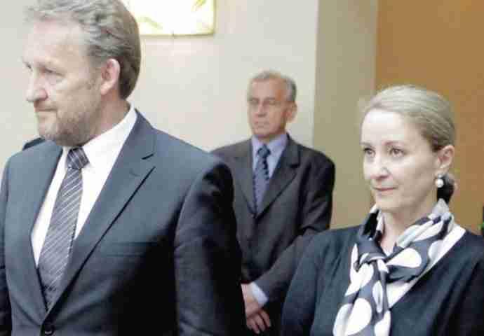 Imenovani novi odbori: Zdravstvenu politiku u SDA preuzela dr. Sebija Izetbegović