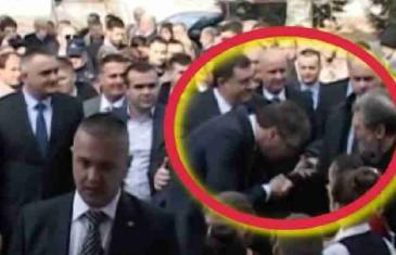 SRBI NE MOGU DA VJERUJU: Vučić Dodiku pokazao kako se pravi Srbin treba ponašati… (VIDEO)