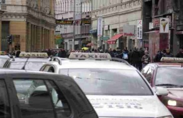 """GRAS, taksisti i trgovci šute, građanima savjet da """"ganjaju sniženja"""""""