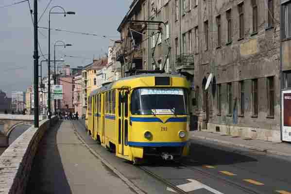 Nemate kartu? Kako revizori u sarajevskim tramvajima odgovaraju na laži putnika