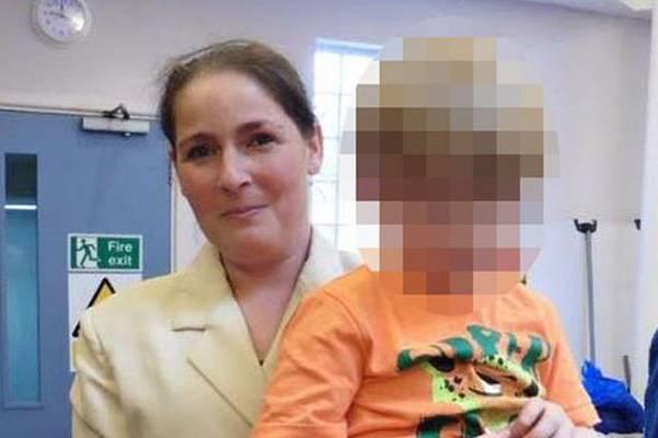 DA SE SRCE STEGNE: Dječak (3), nakon što je ona umrla u kući, proveo tri dana pored tijela mrtve majke