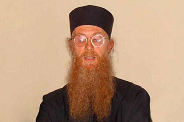 Pogledajte šta kaže pravoslavni pop o pokrivenim muslimankama i otkrivenim Srpkinjama