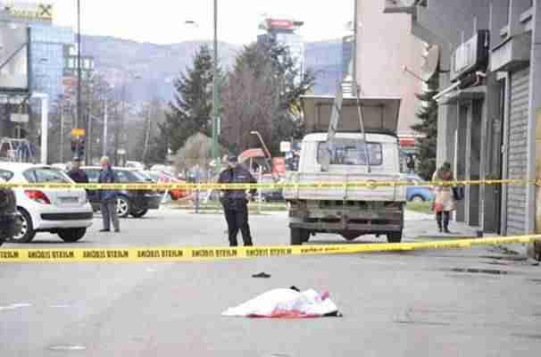 NEZVANIČNO OBJAVLJENO KO JE DJEVOJKA koja je okončala život nakon pada sa zgrade u Pofalićima