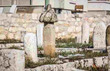 MISTERIOZNI GROB U SAMOM CENTRU SARAJEVA: Riješena misterija ko je ukopan na tom mezarju!?