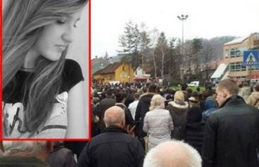 DŽENAZA KAKVU TUZLA NE PAMTI: Muk i tišina na posljednjem ispraćaju mlade Irme Subašić…