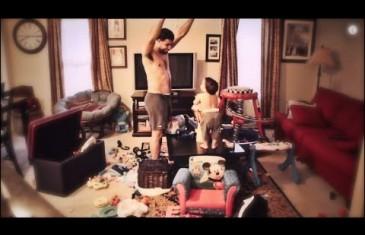 Mama stavila skrivenu kameru u sobu da bi vidjela šta njen muž radi sa bebom dok ona nije u kući!