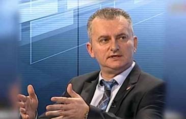 """ZNA LI KARAMATIĆ ŠTA GOVORI: """"Blokirale me na Facebooku cyber džihadlije, ali prevarili su se…!"""""""