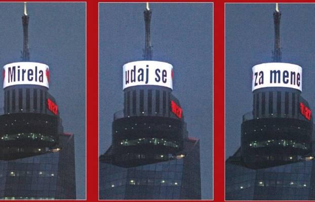 """EKSKLUZIVNI VIDEO Pogledajte kako je Elvir Dželo zaprosio djevojku putem displeja na vrhu """"Avazovog"""" tornja!"""