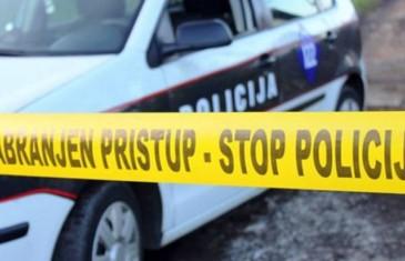 UOBIČAJEN DAN U SARAJEVU: Opljačkao prodavnicu, onda učestvovao u tuči, pa na kraju tokom hapšenja razbio policijski automobil