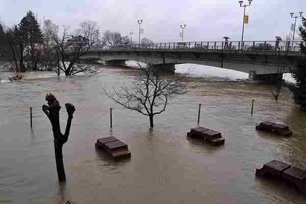 Građani u strahu: Poplave ponovo pogodile BiH