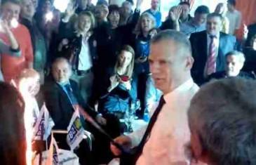 'Iznad tornja sunce sija…Dobro doš'o predsjedniče': Pogledajte kako se slavilo u Avazu