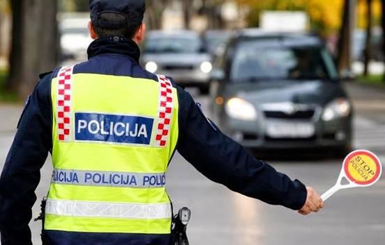 POLICAJAC ZAUSTAVIO ŽENU ZBOG BRZE VOŽNJE: A onda je uslijeila perverzija…