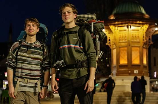 Dva mladića iz Njemačke autostopom došla u Sarajevo… Pogledajte koga su potom slučajno upoznali